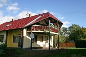 Angebauter Dachgeschoss-Holzbalkon BECK Zimmerei