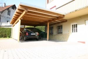 Der barrierefreie mit Holzwand BECK Zimmerei